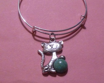 Cat Holding a Turquoise Ball Expandable Wire Bracelet