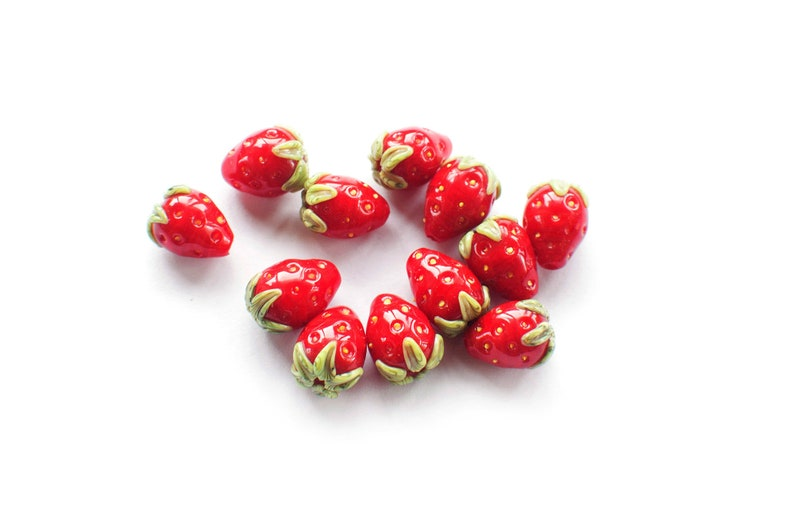 TEN Small STRAWBERRY handmade lampwork bead  Berries Beading wildberries 10