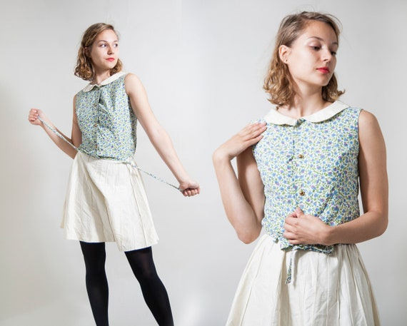Floral mini 60s dress with Peter Pan collar/ Butto