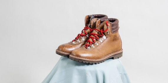 Caramel brown leather lace-up boots / Durable ankl