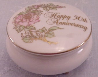 50th Wedding Anniversary Small Footed Vintage Trinket Box to Commemorate Golden Celebration. Marked 1983 Enesco Anniversary Wishes. Rfcb