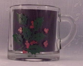Vintage Indiana Glass Holiday Small 3 Inch Cup w Green Holly and Red Berries. Discontinued Clear Glass Christmas Pattern w Paint Flaws. qJkb