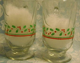 2 Short Vintage Cappuccino Cups w Optic Swirl & Band. Libbey Holly and Berry Christmas Stemware, Hot Toddy, or Irish Coffee Glasses. rhcps