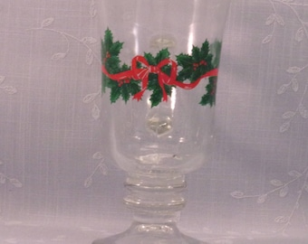 Vintage Libbey Christmas Stemware Glass. 1980s Footed Cappuccino Mug with Gold Trim, Ribbon, Holly, & Berries in Discontinued Pattern. qJib