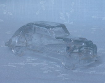 1940s Figural Car Glass Candy Container. Vintage Victory Toy Miniature Streamlined Sedan Automobile Vehicle w 2 Curved Divisions. Uc8a ea33