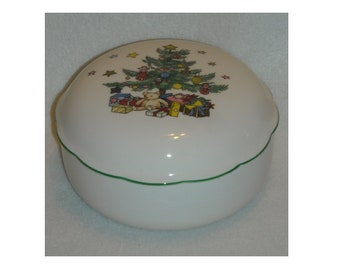 Vintage Nikko ChristmasTime Covered Bon Bon Bowl or Candy or Nut Dish, Xmas Bells on Inside, Tree w Gifts on Lid, & Green Trimmed Rim. riia