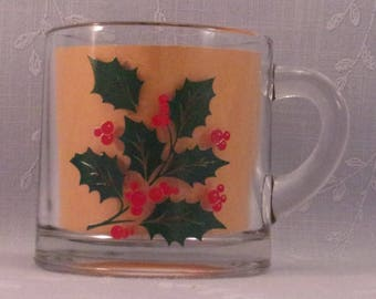 Vintage Indiana Glass Holiday Small 3 Inch Cup w Green Holly & Red Berries. Discontinued Clear Glass Christmas Pattern with Paint Flaw. qJka