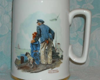 Vintage Norman Rockwell Museum Stein. 1985 Seafarer's Collection Tall Coffee Mug. Looking Out to Sea. Porcelain w 24K Gold Trim. Pj3a
