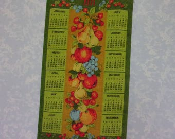 Vintage 1971 Calendar. Linen Cloth 12 Month Wall Hanging Kitchen Tea or Dish Towel w Green Background, Fruit Vine, & Vibrant Colors. gLbb