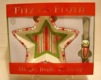 2006 Fitz and Floyd Snack Bowl w Canape Knife Spreader. Marked w Mingle, Jingle, and Be Merry. Red, Pink, & Green Candy Stripes. qgjb