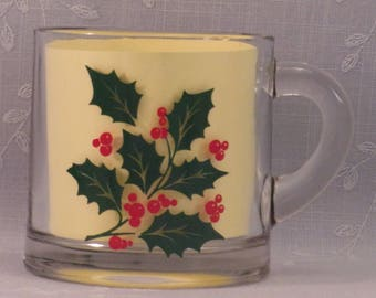 Vintage Indiana Glass Holiday Cup w Green Holly & Red Berries. 3 x 3 Inch Small 7.5 Oz Christmas Clear Glass in Discontinued Pattern. qJJa