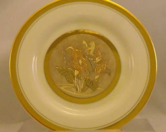 The Art of Chokin Vintage Plate. 6+ Inch Japanese Metallic Art Dish w Butterfly, Calla Lily Flowers, 24 KT Gold Gilt, & Fine Porcelain. qdtb
