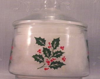 Indiana Glass Vintage Christmas Snack or Candy Apothecary Jar w Lid and Green Holly & Red Berries. Made in USA in Discontinued Pattern. qJna