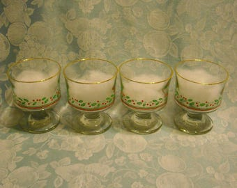 4 Vintage Dessert Dishes. Libbey Christmas Holly Berry Gold Rimmed Glass Stemware w Optic Swirl, Hollies, and Red Berries & Ribbon. Rhsds