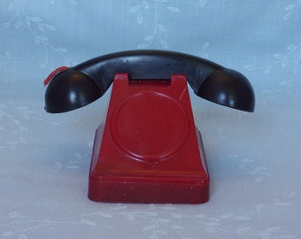 1950s Plastic Candy Container. Vintage Millstein Figural Tele Bank Toy Red Telephone w Raised Coin Slot, Receiver, & Closure. Ufwa dpp233