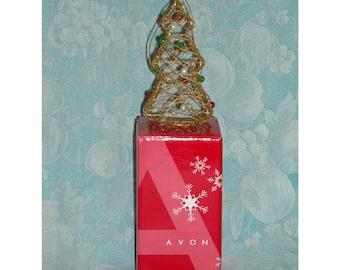 Collectible Christmas Ornament. 2005 Avon Elegant Wire Ornament. Small Trimmed Xmas Tree Decoration w Glitter, Balls, & Original Box. qgib