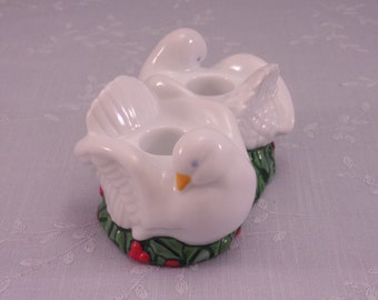 1993 Christmas Candle Holder. Avon Vintage Porcelain Xmas Double Candle Stick Holder w 2 Peace Doves, Green Holly, & Red Berries. skcan