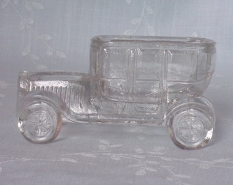 Vintage Figural Clear Pressed Glass Candy Container. 1920s & 1930s Toy Victory Automobile Sedan w 12 Vents and VG Avor Mark. ucua ea36