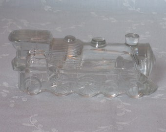 1946 Figural Pressed Glass Candy Container. Vintage Toy Locomotive 1028 Train w Pointed Ribbed Cowcatcher & Rare NO Keystone. Ubrd ea492