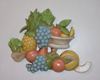 Dart Vintage Wall Décor Hanging Plaque 7432 w Melon, Peaches, Apples, Pineapple, Grapes, & Bananas Draped over a Compote. Made in USA. Rktb