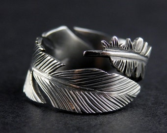 Silver Feather Ring - Adjustable Hand-Crafted ring