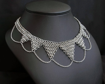 7-Tipped Surgical Steel Chainmail Necklace with chains