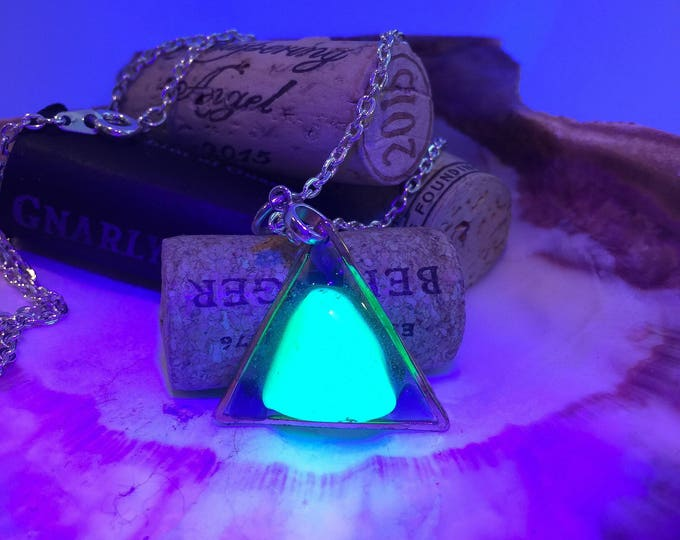 BLACKLIGHT Sea glass blue necklace in clear epoxy all natural glowing clear hypoallergenic ocean gift