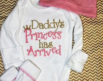 Baby Girl Clothes Daddy's Princess has Arrived embroidered pink and gold newborn bodysuit, bringing home baby outfit, baby girl gift, daddys
