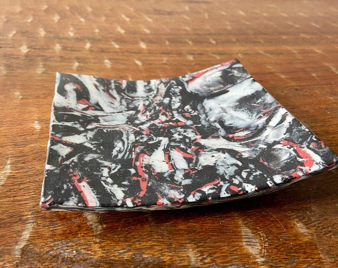 Agateware Red and Black Porcelain Plate