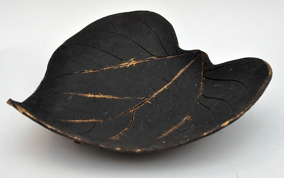 Large ceramic leaf platter