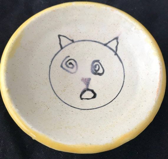 Small Confused Kitty Dish