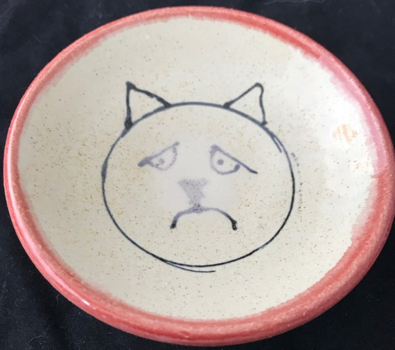 Small Sad Kitty Dish