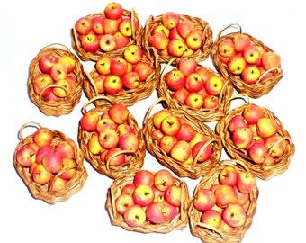 Dollhouse miniature 1:12 apples, apples in a wicker basket! 1 set