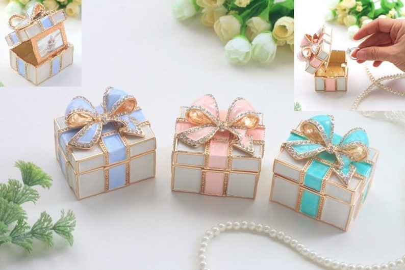 Memorial Present Box,Gift box,Beautiful bow Jewelry Box,jewelry case,present,Wedding ring case,With photo frame