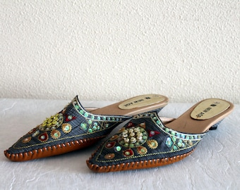 903d161d2b5dc Ethnic Shoes Women s Costume Shoes Arabian Shoes Khussa Shoes Beads  Embroidered Shoes Ethnic Slippers Summer Shoes