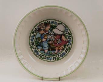 "Vintage Watkins Country Kids Ceramic Collectors's Recipe Pie Plate, Series 3 - ""Summertime Fresh Strawberry"""