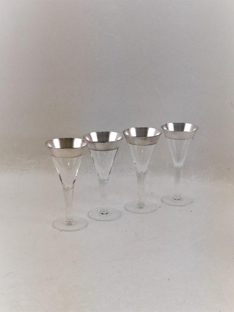 6c1404db1512 Vintage Mid Century Dorothy Thorpe Silver Rim Champagne Wine