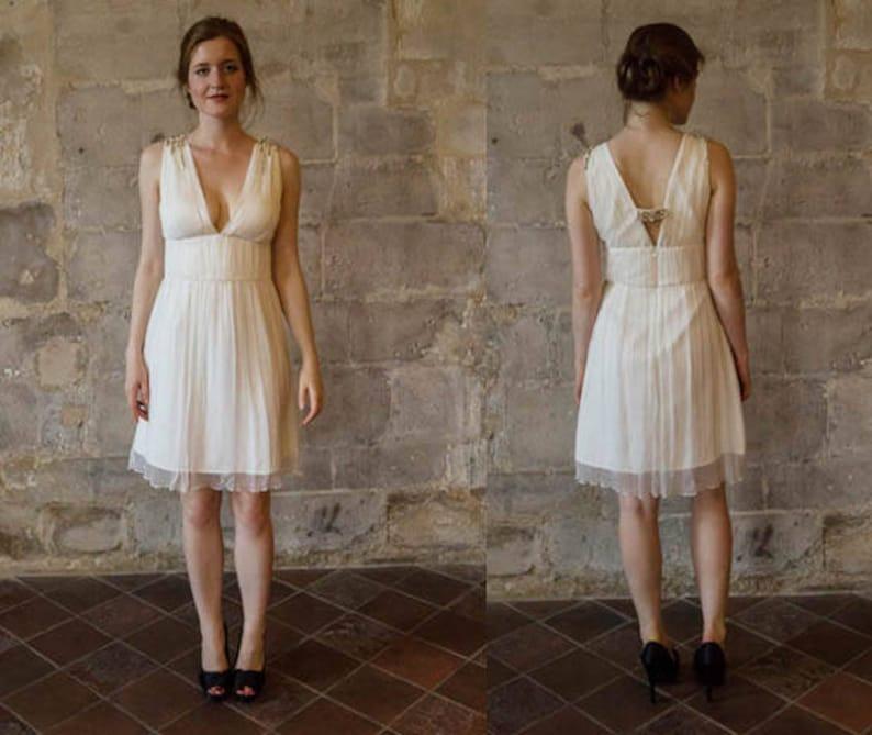 a5f3bc242a00 ADRIANA     courtes chiffon robe de mariée   mariage Simple