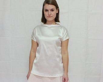 White shimmery short sleeve throw & go blouse, boat neck