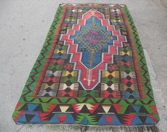 "58"" X 120"" Turkish Kilim rug, area rug,  vintage rug, bohemian rug, Turkish rug, bright rug, Turkish, rug, colorful rug, boho rug, green rug"