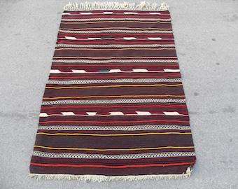 free shipping VINTAGE TURKİSH balıkesir kilim Anatolian handwoven kilim rug decorative kilim - SİZE :42'' X 66'' ( 105 cm X 165 cm)