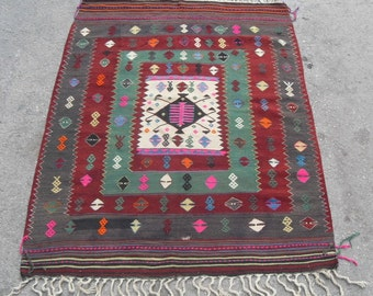 free shipping VINTAGE TURKİSH blackgoats kilim Anatolian handwoven kilim rug decorative kilim - SİZE : 44'' X 62'' ( 110 cm X 155 cm)