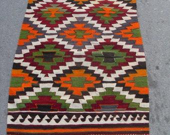free shipping VINTAGE TURKİSH antalya kilim Anatolian handwoven kilim rug decorative kilim - SİZE : 32'' X 46'' ( 80 cm X 115 cm)