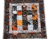Halloween Quilted Table Topper, Patchwork Halloween Table Decor, Table Topper Halloween, Halloween Quilted Centerpiece, Quiltsy Handmade