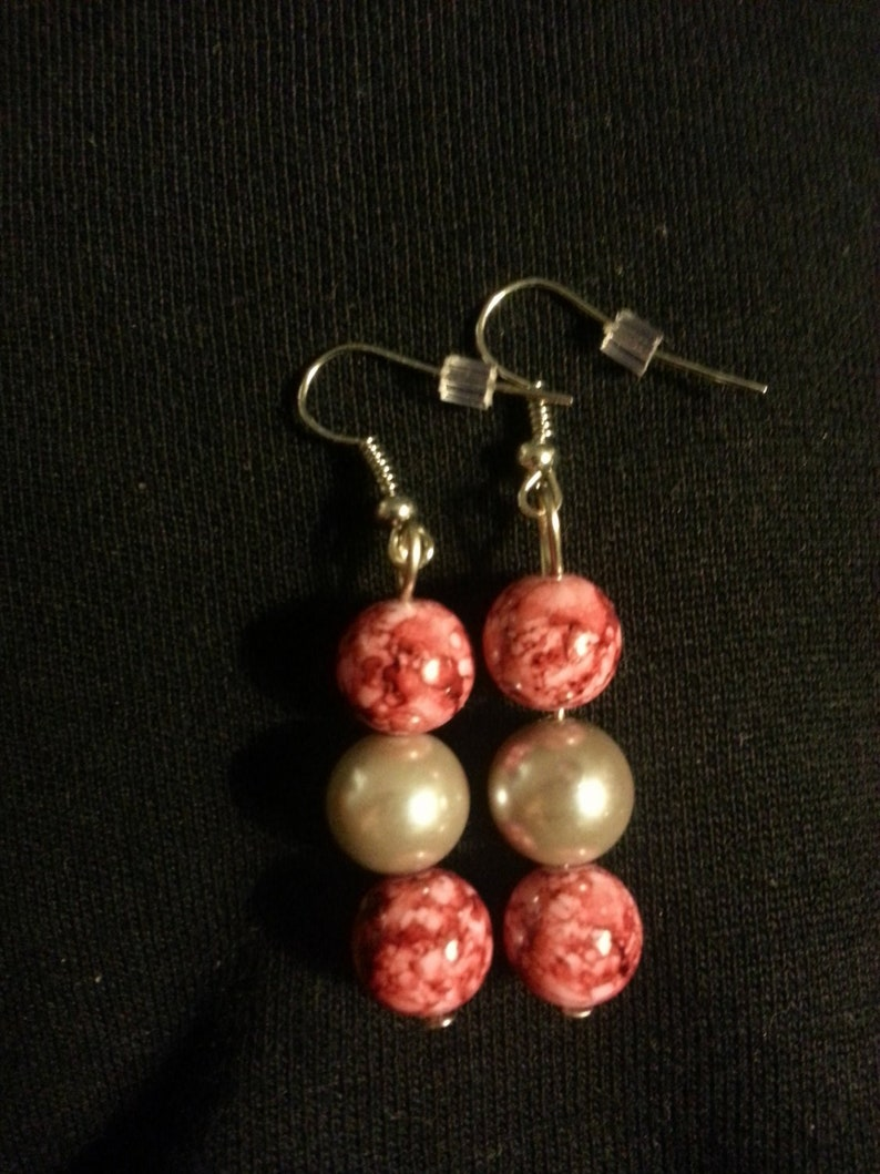 Marble Red and White Glass Beads with a White Pearl Beads Earring Set