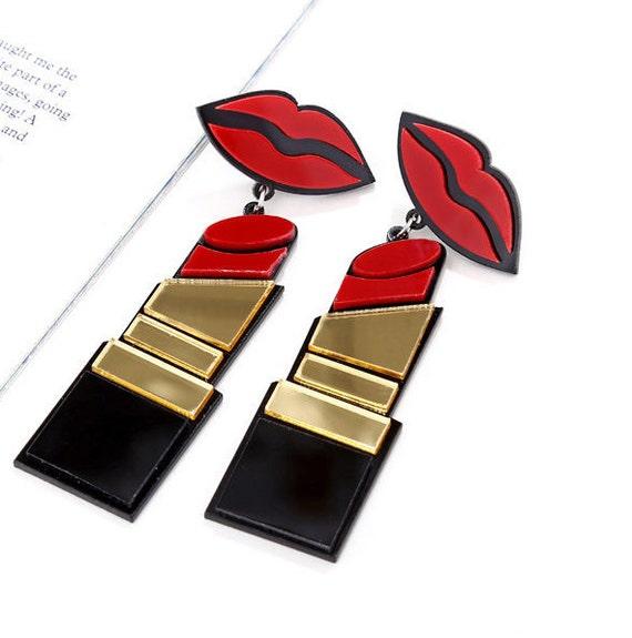 Large Lipstick/Lips Pierced  Very Light Weight