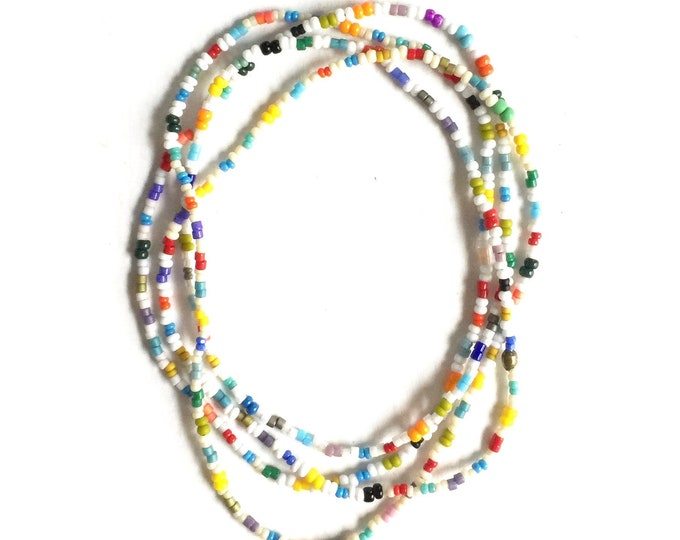 Daisy Seed Bead Necklace