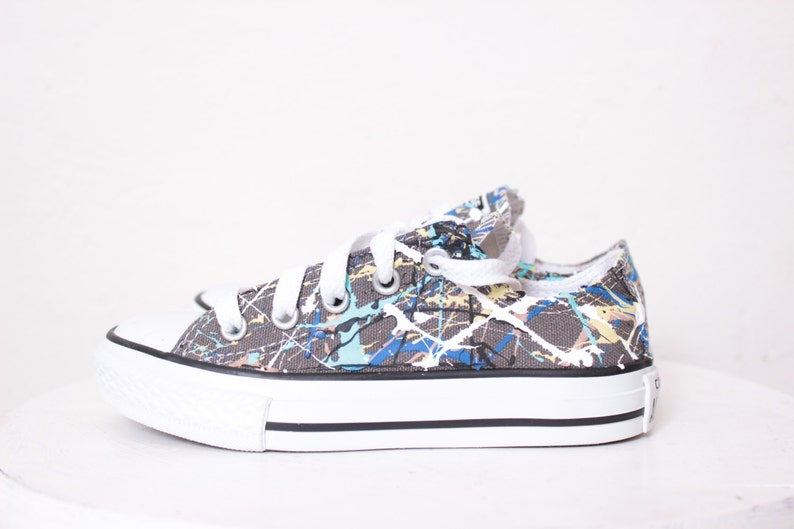 d1053424da13 Kids Grey Low Top Splatter Painted Converse Sneakers Kids Size
