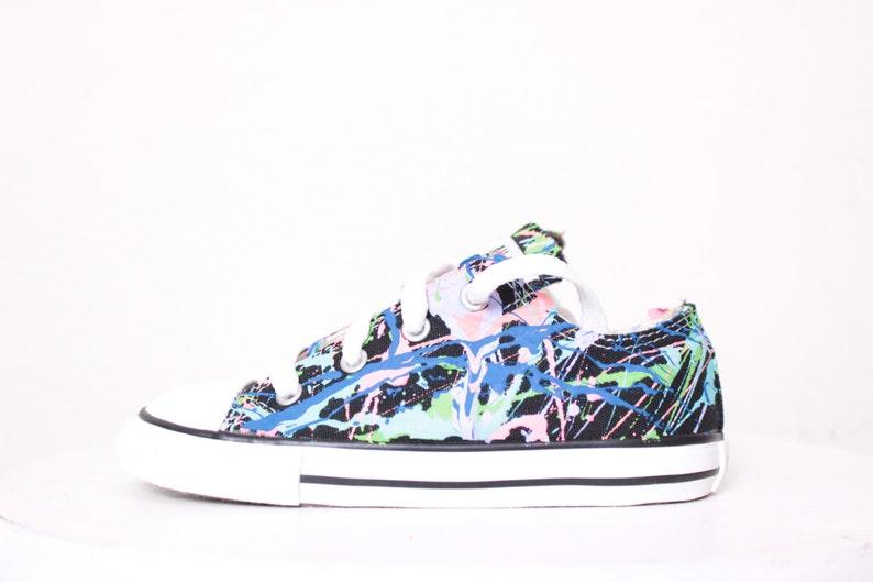 Erwachsene schwarz hoch oben Splatter Converse Sneakers Erwachsene Größe 5, Neonröhren Farben lackiert
