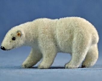 Wagner Kunstlershutz Flocked Polar Bear West Germany